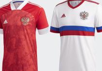 Один из сайтов, посвященных футбольной форме, опубликовал новый дизайн футболок для сборной России на Евро-2020. Прежний дизайн был презентован в ноябре 2019 года и вызвал скандал: на футболках российский флаг был изображен вверх ногами. В новой версии флага вовсе нет.