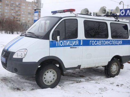 По кировским улицам ездит патруль с призывами соблюдать карантин