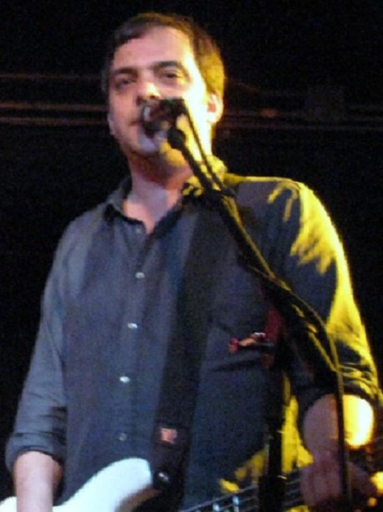 Музыкант Адам Шлезингер скончался от коронавируса в 52 года
