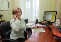 Специалисты из Серпухова отвечают на звонки со всей Московской области