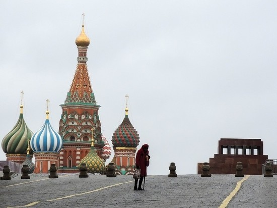 Московским пенсионерам пообещали выплатить 2000 рублей раньше мая