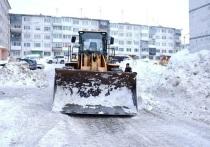 Убрать снег и мусор мэра Магадана попросила прокуратура