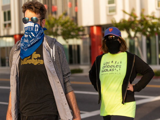 США рухнули перед коронавирусом: ждут 240 тысяч смертей