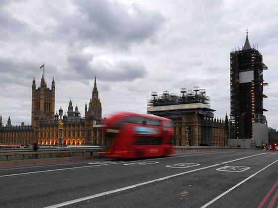 """Британцы устроили рубку за """"иммунные паспорта"""" для переболевших коронавирусом"""