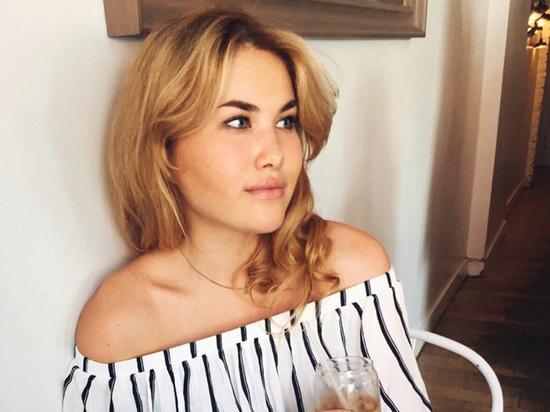 """Модель Анна Бжедугова рассказала рецепт """"карантинного завтрака"""" с авокадо"""
