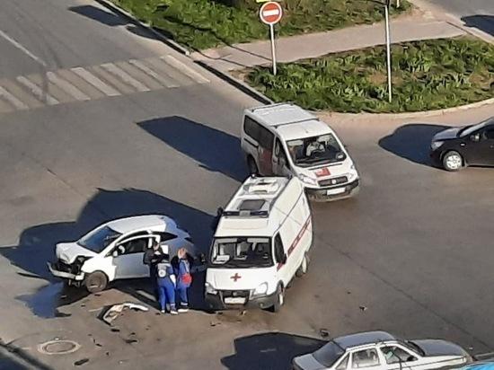 Авария с участием двух иномарок случилась в Ростове