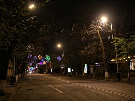 На улице Красной в Краснодаре погасили иллюминацию: в карантин она не будет пешеходной