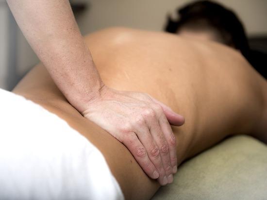Японский профессор назвал способ быстрого избавления от боли в пояснице