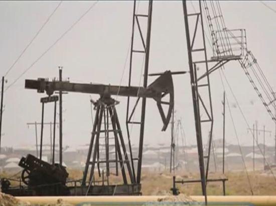 СМИ назвали условие сокращения добычи нефти Россией