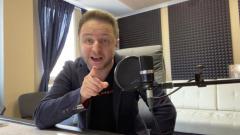 Автор хита про «Корону» Брендон Стоун спел для читателей «МК»