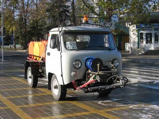 Ноу-хау: в Иванове тротуары убирает «Чистик»