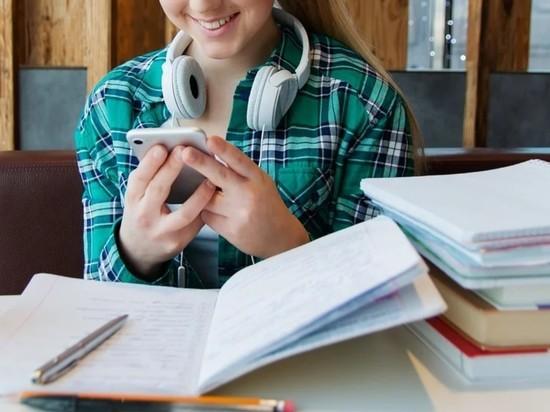 Школьников на самоизоляции научили профессии журналиста