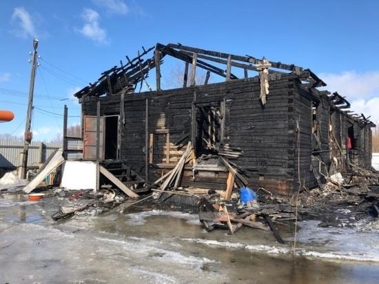 Под Архангельском ночью горел бывший склад
