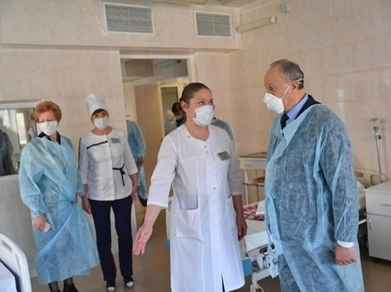 Саратовские чиновники опровергли слухи о массовом заболевании врачей - МК  Саратов