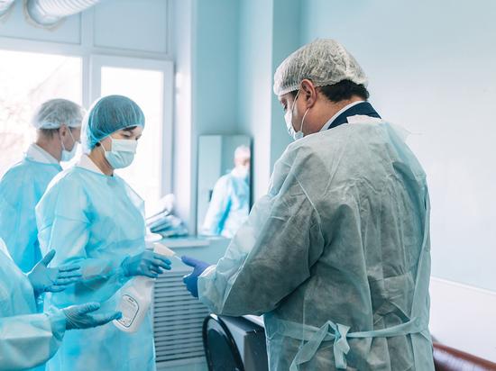 214 врачей работают в инфекционном госпитале в Смоленске