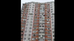 В Подмосковье жители многоэтажки спели хором по примеру итальянцев: видео