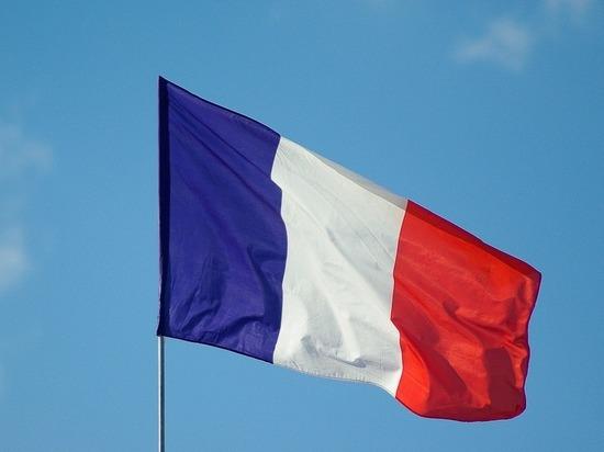 Число жертв коронавируса во Франции возросло более чем на 800 человек