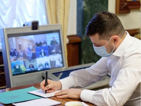 Зеленский обсудил с Помпео возможность получения кредитных гарантий