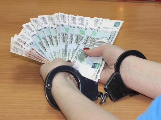 Женщина призналась в краже денег из уехавшей от забайкальца сумки