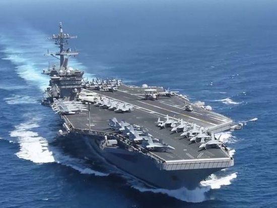 В США развернулась кампания за капитана с авианосца