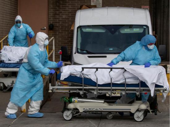 """""""Много остановок сердца"""": врач из США рассказал о COVID-19"""