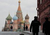 Предназначение загадочных металлических столбиков, установленных недавно на Красной площади, раскрыли в ФСО