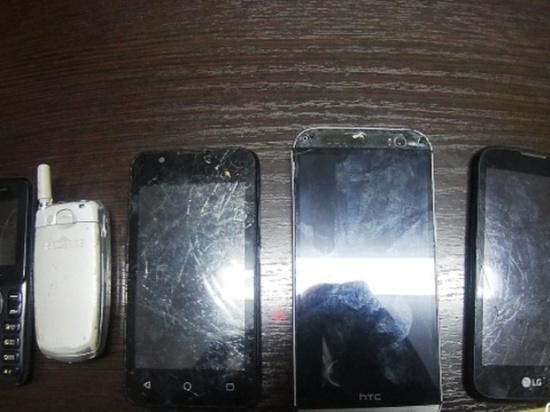 В исправительную колонию Оренбургской области пытались перебросить телефоны