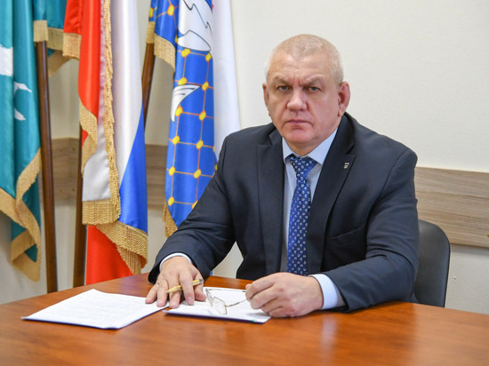 Застуканный за приставанием к подчиненной мэр Южно-Курильска объяснился