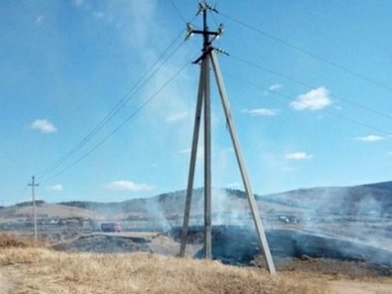 Огонь повредил кладбище в Засопке