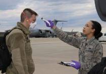 Солдаты самой сильной армии на планете вынуждены сами себе шить защитные маски от коронавируса