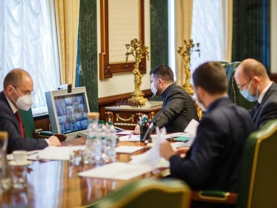 Политолог сравнил ситуацию с коронавирусом в Минске и Киеве