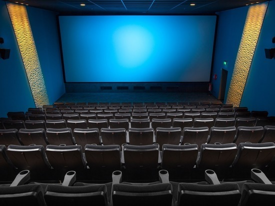 Продюсеры забили тревогу: после онлайн-карантина в кинотеатры не пойдут