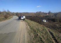 В Орловской области «Форд Фокус» съехал в кювет