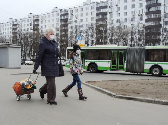 Половина новых заболевших в Москве моложе 45 лет
