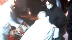 Спасение постояльцев вспыхнувшего дома престарелых попало на видео