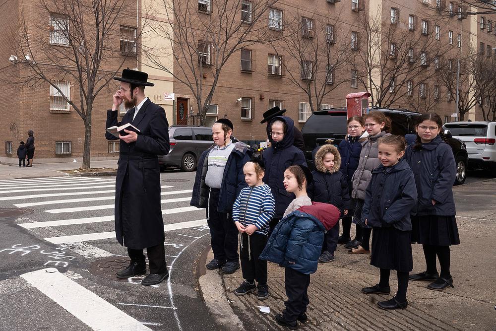 Кадры коронавируса в Нью-Йорке: в пандемию народ продолжает гулять