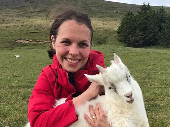Исландия наплевала на запреты, у нее коллективный иммунитет