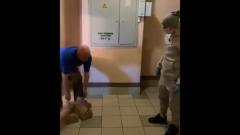 Футболист Андрей Аршавин доставил продукты пожилому петербуржцу: видео