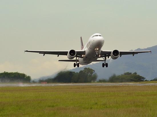 Летевший из Москвы в Минводы пассажирский самолет подал сигнал тревоги