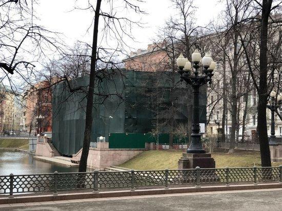 Деятели культуры подписали обращения к Собянину в защиту Патриарших прудов
