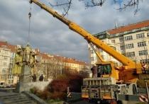 Генсека ООН попросили наказать организаторов сноса памятника Коневу