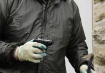 Орловец в медицинской маске и с пистолетом ограбил МФО