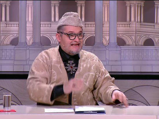 Историк моды, телеведущий Александр Васильев