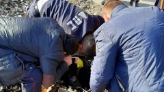 В сети появились трогательные кадры спасения щенка в Астрахани