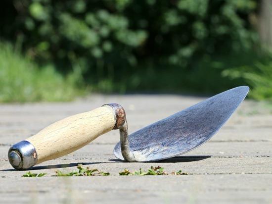 Неизвестный отрубил мужчине голову на стройплощадке в Москве