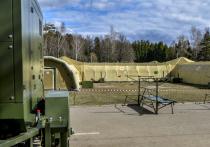 Президент России Владимир Путин в ходе селекторного совещания, которое он провел из своей резиденции в Ново-Огарево, сказал, что в случае необходимости в борьбе с пандемией коронавируса могут быть использованы резервы Министерства обороны