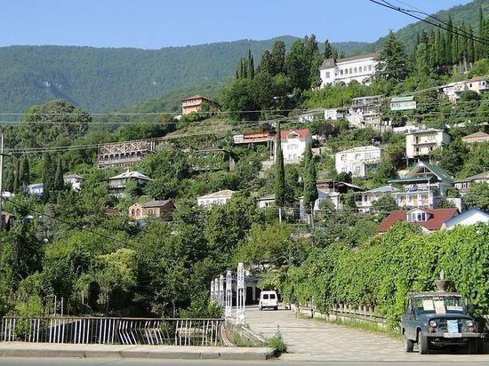 В Абхазии призвали прекратить травлю заболевших коронавирусом в соцсетях
