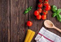 Диетолог советует россиянам три раза в день есть основательно и дважды в день перекусывать