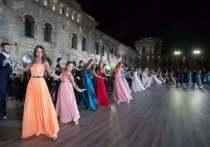 В Севастополе пройдет первый в мире онлайн-бал