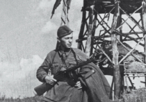 Пятнадцатого апреля 1945 года наши войска продолжали наступление северо-западнее и западнее Кёнигсберга, продвинувшись на 15 километров и очистив от противника часть Земландского полуострова